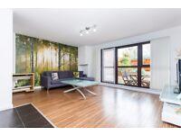 1 bedroom flat in Sturmer Way, Holloway, N7