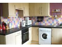 4 bedroom flat in Summer Street, Sheffield, South Yorkshire, S3