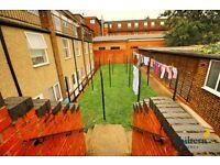 Studio flat in A5 Dunstable Road, Luton, LU4