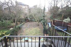 2 bedroom flat in Tufnell Park Road, Islington, N7