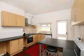 Ensuite Room&Double close to uni/town/train stn bills included s2 s11