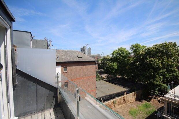 2 bedroom flat in 410 Seven Sisters Road, London, N4