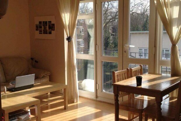 3 bedroom flat in LORDSHIP ROAD