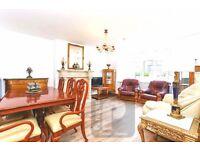3 bedroom flat in Gunnersbury Avenue, Ealing, W5