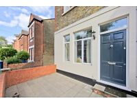 2 bedroom flat in Church Path, Chiswick, London, W4
