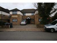 2 bedroom flat in WELLINGTON HOUSE Beresford Gardens, HOUNSLOW, TW4