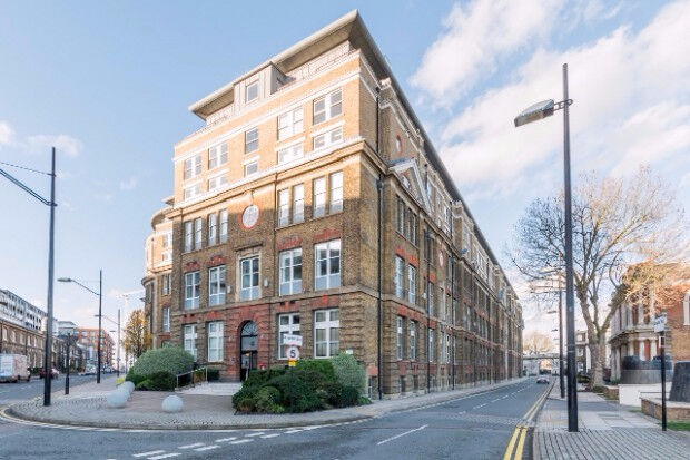 3 bedroom flat in Building 22 Cadogan Road, , SE18