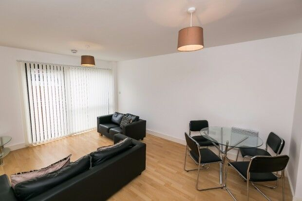 2 bedroom flat in The Overhead Sefton Street, Toxteth, Liverpool, L8