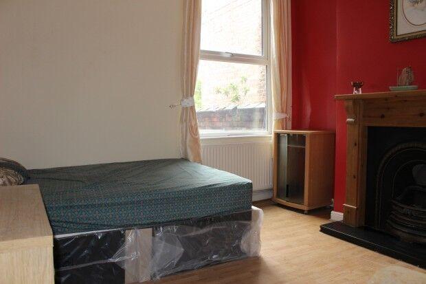 1 bedroom in Kirkmanshulme Lane, Longsight, Manchester, M12