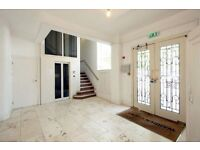 First-Class Two Double Bedroom Flat in Marylebone minutes away from Warren Street tube.
