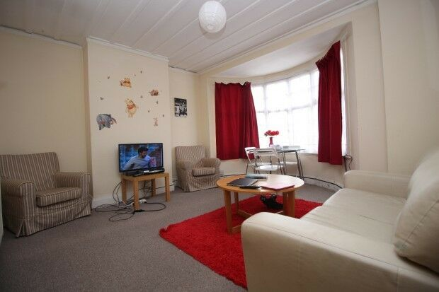 2 bedroom flat in Cumberland House Mansfield Road, Ilford, IG1
