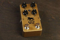 Black Cat Tremolo pedal