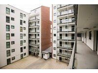 2 bedroom flat in Kings Dock Mill Tabley Street, City Centre, L1
