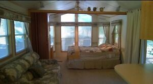 Beautiful and Well Maintained Lakeview Cottage  Belleville Belleville Area image 10