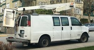 2000 GMC Savana 3500 Bucket Truck / Van 37FT - $25900