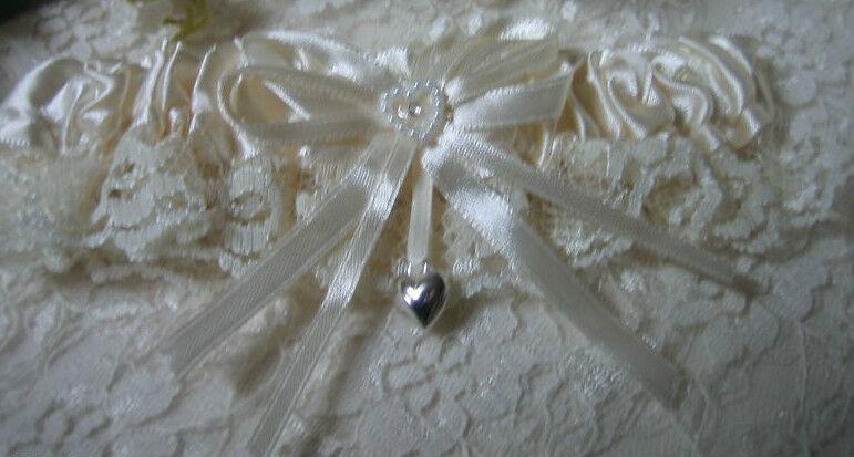 Wedding Ceremony Bridal Satin Garter Valentine Silver Puff Heart Ivory