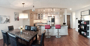 Fully Furnished 1300SF Downtown Executive Condo 1+1 Den, Parking