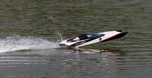 New RC Boat Brushless Electric Apparition Fiberglass Twin Hull Peterborough Peterborough Area image 2