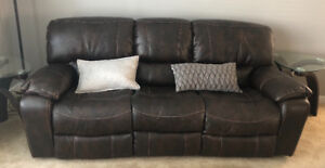 Leather powered recliner sofa and chairs
