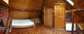 Very large single room close to Hendon Central and MDX!