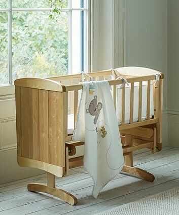 MOTHERCARE DeLUXE Gliding GRIB with mattress, sheets, crib bumper and blanket £20