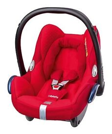 Maxi Cosi Cabriofix and isofix base
