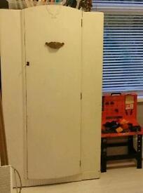 Children's wardrobe (project)