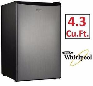 NEW WHIRLPOOL REFRIGERATOR   COMPACT - 4.3Cu.Ft.  HOME APPLIANCE BAR MINI FRIDGE 97445400