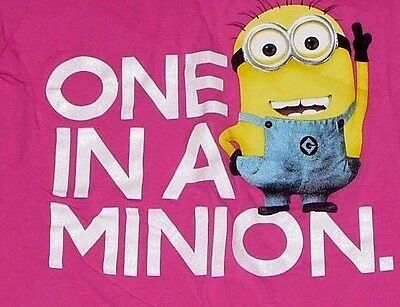 authentic DESPICABLE ME 2  (ONE IN A MINION) PINK T-SHIRT JUNIORS GIRLS S small.