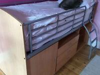 Cabin bed with good quality mattress