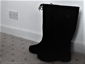 Ladies nearly new Dublin country boots