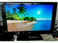 "LG 42 "" LCD TV BUILTIN FREE VIEW USB PORT £ 105"