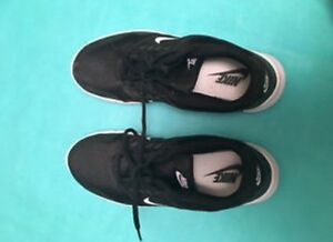 Women's Black Nike Runners