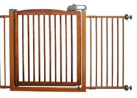 """Extra-wide Door Pet Gate - Richell """"One-Touch"""""""