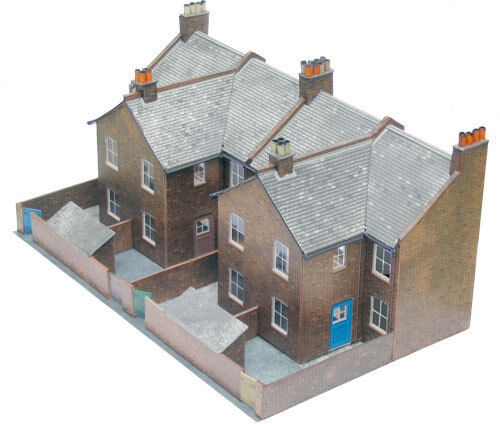 Superquick 1/72 Four Redbrick Terrace Backs # C5