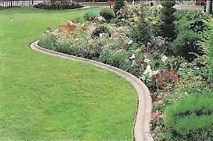 Quality Lawn Cutting, Lawn Edging, Hedge Trimming Services Kitchener / Waterloo Kitchener Area image 6