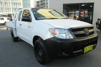 2007 Toyota Hilux GGN15R 07 Upgrade SR White 5 Speed Automatic X Cab Pickup