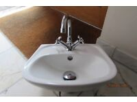 CLOAKROOM BASIN WITH TAP