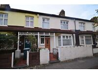 **Beautiful 3 bedroom house available now in Manor Park**