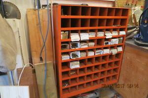 Parts organizer bin