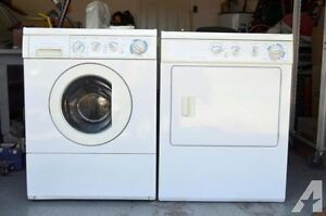 Frigidaire Gallery Front Load Washer electric Dryer Set stackabl