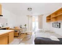 Earls Court - Patio Studio - West Cromwell