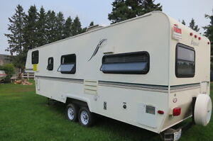 Flagstaff 5th Wheel  25 ft  Super Lite-  Like new