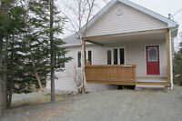 Lovely Family Home, Portugal Cove with private backyard
