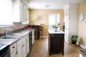 Room for rent in a beautiful detached home. Kitchener / Waterloo Kitchener Area image 3