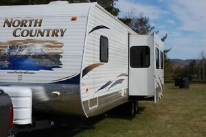 2011 Heartland North Counrty,Great layout,with Bunks