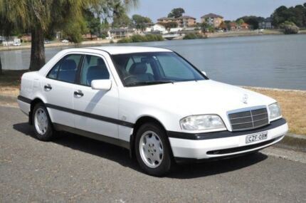 1996 Mercedes-Benz C200 W202 Classic White 4 Speed Automatic Sedan