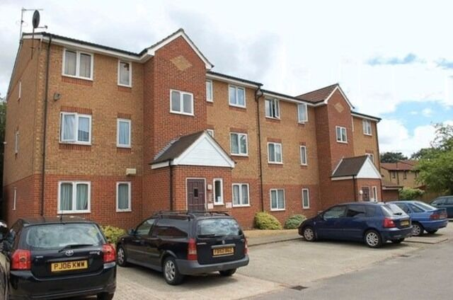 Secure allocated 24/7 open air parking near ***GOODMAYES TRAIN STATION*** (4080)