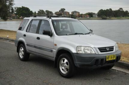 1997 Honda CR-V (4x4) Silver 5 Speed Manual 4x4 Wagon