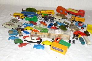 Konvolut ca. 45 alte Plastikautos Kunststoff Plastik Modellautos Auto Wiking ua.